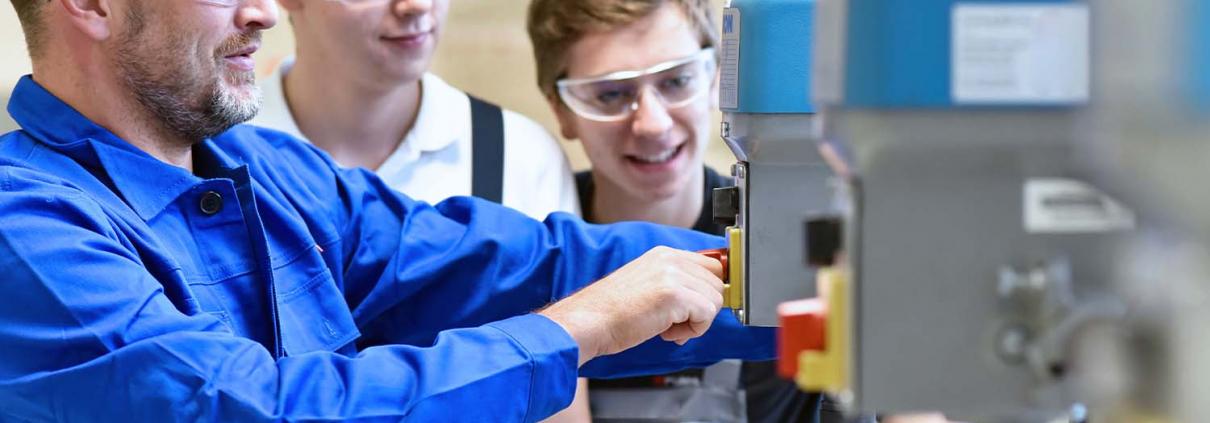 Bernhard Kirchhoff Metallverarbeitung | News | Ausbildung Feinwerkmechaniker